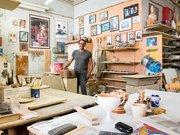 Der kretische Töpfermeister Vassilis Politakis in seiner Werkstatt in Herakleion. Foto: HU Berlin, Felix Sattler