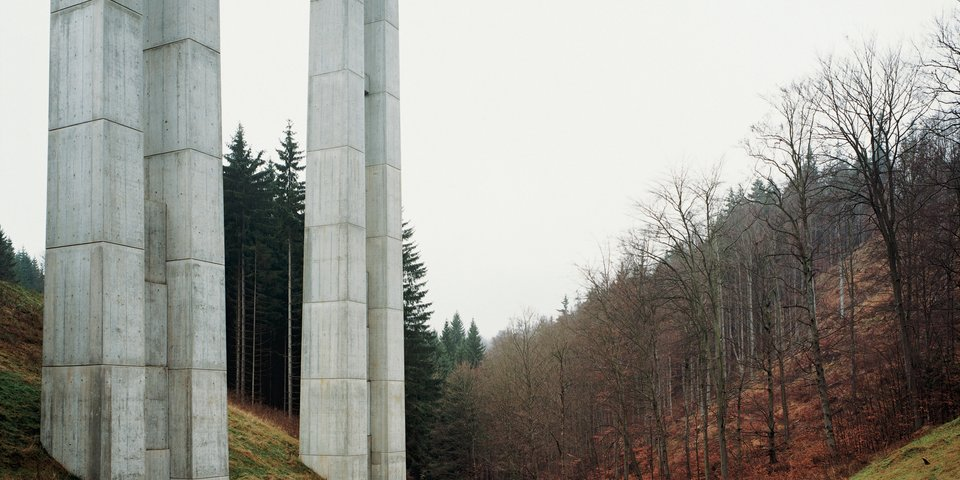 Hans-Christian Schink, A-71 - Brücke Schwarzbachtal, 1997 ©Hans-Christian Schink, Courtesy of Kicken Berlin and Galerie Rothamel Erfurt/Frankfurt